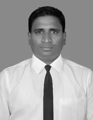 black and white photo of Naveen